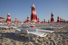Beach Umbrellas In Rows Royalty Free Stock Images
