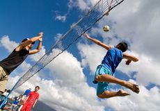 Free Beach Volleyball Spike Royalty Free Stock Photos - 12913408