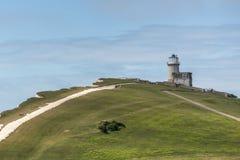 BEACHEY-HUVUD, SUSSEX/UK - MAJ 11: Belle Toute Lighthouse a Arkivbild