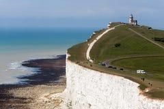 BEACHEY-HUVUD, SUSSEX/UK - MAJ 11: Belle Toute Lighthouse a Royaltyfri Foto