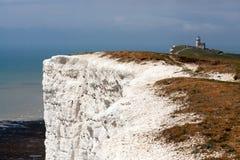 BEACHEY-HUVUD, SUSSEX/UK - MAJ 11: Vita klippor nära skönheten Arkivbilder