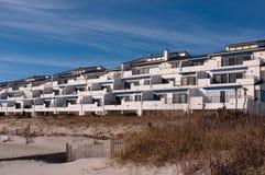 beachfront condos Στοκ φωτογραφία με δικαίωμα ελεύθερης χρήσης