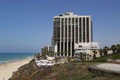 Beachfront hotell på Acadia sätter på land i Herzliya, Israel Arkivbild