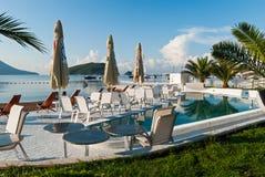 Beachfrontkoffie in Budva, Montenegro Stock Foto's
