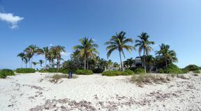 Beachfrontvilla op Grace Bay-strand Royalty-vrije Stock Afbeelding