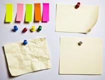 Beachten Sie pushclipping zerquetschtes Papier des Pfades Büro sich unterscheiden Lizenzfreies Stockbild