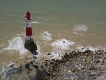 Beachy Haupt- Leuchtturm, Ost-Sussex, England lizenzfreie stockfotografie