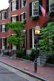 Beacon Hill es una vecindad rica de los rowhouses del Federal-estilo, con algunos de los valores de una propiedad más altos de lo Imágenes de archivo libres de regalías