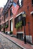 Beacon Hill est un voisinage riche des rowhouses de style fédéral, avec certaines des valeurs d'une propriété les plus élevées au photographie stock libre de droits