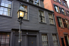 Beacon Hill is a wealthy neighborhood of Federal-style rowhouses, with some of the highest property values in the United States Stock Images