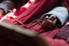beads den buddistiska monkbönen Arkivbilder