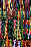 beads färgrika flickakvinnor Arkivfoton