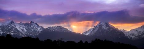 Beaglekanal Ushuaia Soluppgång Soluppgång arenaceous Juli 2014 Royaltyfri Bild