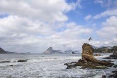 Beaiful widoku icarai plaża Niteroi zdjęcia stock