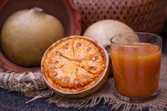 Beal trägt Früchte und beal Saft Früchte Stockfotos