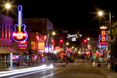Beale Streetin i stadens centrum Memphis, Tennessee Royaltyfri Foto