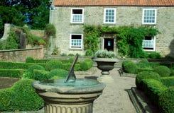 beamish trädgårds- sundial Arkivbilder