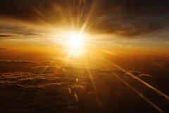 beams röd sunyellow för ljusa strålar Arkivfoto