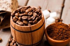 bean śniadanie kawa ideał wyizolował makro nadmiar białych kawa grinded Fotografia Royalty Free