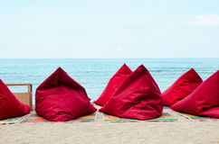 Bean Bags sur la plage - image courante Photos libres de droits