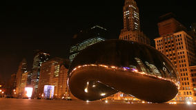 Bean or Cloud Gate at night in Chicago Stock Photos