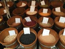Bean und Gewürzstall Stockfoto