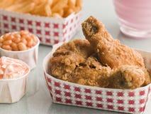 bean upiekła kurczaka smażone frytki kapuśniak południowego Fotografia Stock