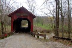 Beanblossom bro i Parke County Royaltyfri Bild