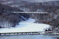 Bear Mountain-Brücke im Schnee Stockbild