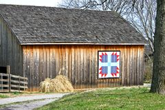 Bear's Paw Quilt Barn 1 Stock Photos