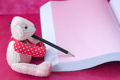 bear write the book Stock Images
