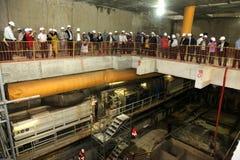 Bearbeitet Kontrolle des Untergrundbahnaufbaus Stockbild