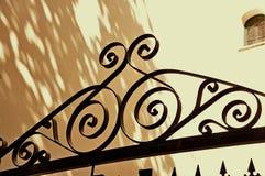 Bearbeitetes Eisen-Tür Stockfoto