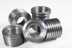 Bearbetade med maskin ståldelar Arkivbild