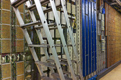Serverrum och kontrollerar stiger ombord Royaltyfri Foto