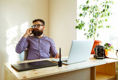 Beard man working from home - modern business concept Royalty Free Stock Photos