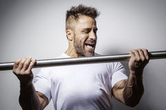 Bearded bodybuilding man Royalty Free Stock Images