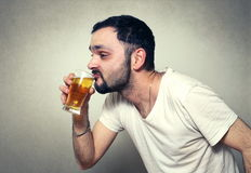 bearded man drinking beer Royalty Free Stock Image
