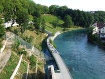BearPark langs de Rivier Aare in het stadscentrum van Bern royalty-vrije stock afbeeldingen