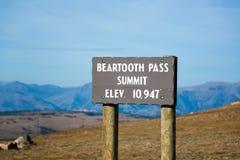 Beartooth-Durchlauf-Gipfel stockfoto