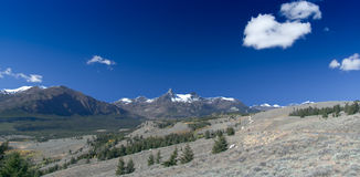 Beartooth Highway: Pilot and Index Peaks Overlook. With blue skies Stock Photography