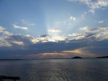 Beatifull widok gdy słońce i światło zrobimy odbiciom Finlandia obraz royalty free