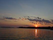 Beatifull widok gdy słońce pójść w dół tutaj w Finlandia zdjęcia stock