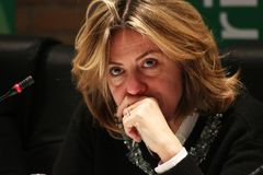 BEATRICE Lorenzin, minister Healt, jawna polityczna konferencja MODENA WŁOCHY, LUTY - 24, 2018 - zdjęcia royalty free