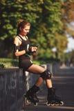 Beau aspect sportif de jeune fille Photographie stock libre de droits