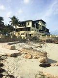 Beau bâtiment avec une histoire Côte atlantique du Cuba images stock