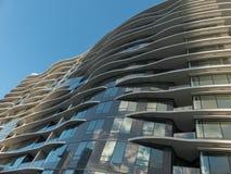 Beau bâtiment de façade de forme de vague de façade Image libre de droits
