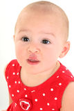 Beau bébé avec le dégagement de cigogne sur la languette supérieure Images libres de droits