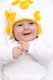 Beau bébé dans le chapeau tricoté Images libres de droits
