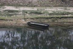 beau bateau de photo dans l'eau photo libre de droits